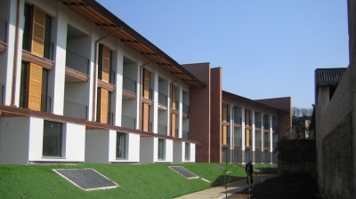 Housing and offices in Varedo